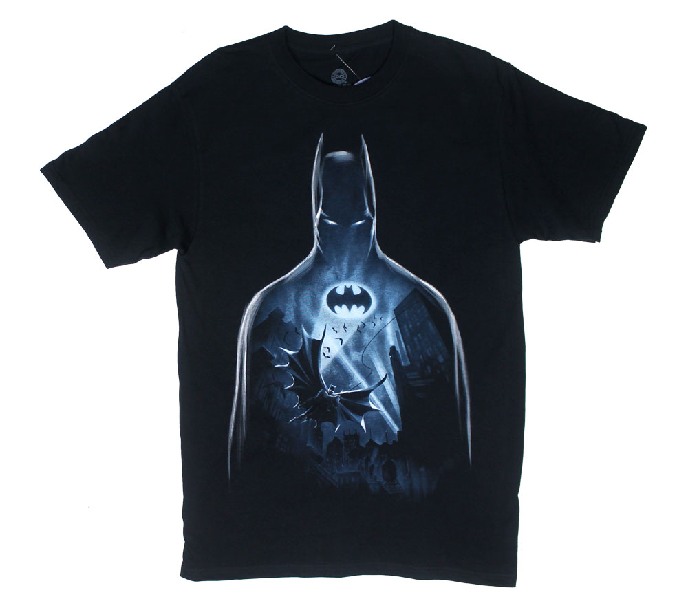 Flight Over Gotham - DC Comics T-shirt