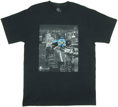Rooftop Photo - Batman - DC Comics T-shirt