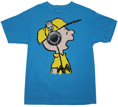 charlie brown headphones peanuts t shirt ebay. Black Bedroom Furniture Sets. Home Design Ideas